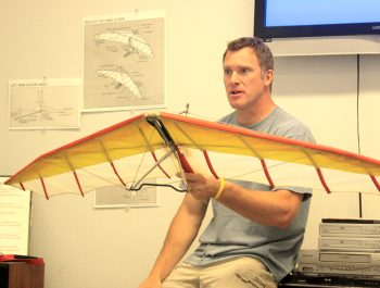 How to Become a Hang Gliding Pilot